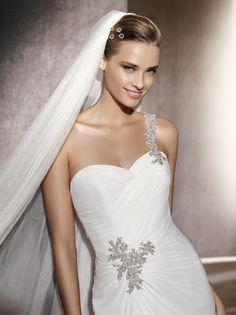 Used Pronovias Wedding Dresses & Gowns