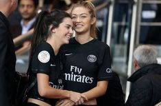 Kendall Jenner and Gigi Hadid Have a Girls Night Out at a French Soccer Game The model BFFs had a girls night out at a Paris vs. Marseille soccer game, and it looks like they had a ton of fun! See the photos and get all the details here. Kendall Jenner Makeup, Kendall Jenner Gigi Hadid, Kendall Jenner Style, Soccer Game Outfits, Soccer Games, Football Outfits, Psg, Bff Goals, Best Friend Goals