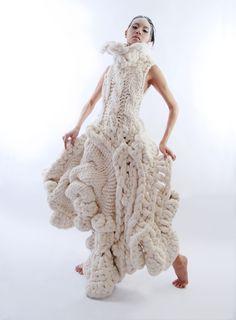 2009年十二月,古又文以作品《Emotional Sculpture》系列獲得美國最大藝術設計機構Gen Art舉辦的國際服裝競賽前衛時裝(Avant-Garde)獎