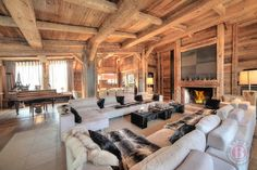 the most chic and chic ski chalet Chalet Design, House Design, Chalet Interior, Interior Design, Log Cabin Homes, Log Cabins, Colorado Homes, Ski Chalet, Winter House