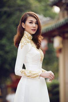 """Thanh Hằng đẹp """"không thể rời mắt"""" khi diện áo dài rực rỡ - Kenh14.vn"""