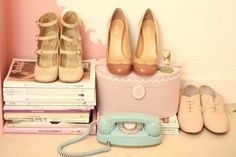 vintage shoes...  love the pair in the centre