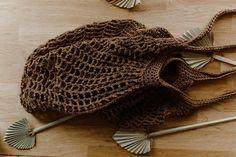 Free Crochet Bag, Crochet Market Bag, Crochet Yarn, Easy Crochet, Crochet Hooks, Crochet Stitches, Sport Weight Yarn, Dk Weight Yarn, Patons Grace Yarn