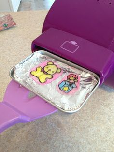 My oldest daughter wanted an Easy Bake Oven and the Shrinky Dink Maker for Christmas. We bought the Easy Bake because we thought it woul. Easy Bake Oven Pans, Easy Bake Oven Refills, Oven Diy, Easy Baking Recipes, Oven Recipes, Easy Bake Ultimate Oven, Diy For Kids, Crafts For Kids, Purse Tutorial