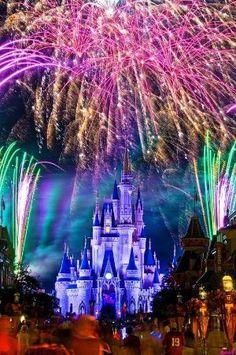 Walt Disney World Magic Kingdom - Orlando, FL Disney Vacations, Disney Trips, Disney Parks, Walt Disney World, Disney World Castle, Disneyland Castle, Disneyland Photos, Orlando Disney, Disney Worlds