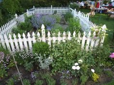 Susan Branch's garden. So Pretty I have always admired this garden! Have a modified version at my home!  Make it yours..... The best!:)