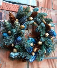 Pine Cone Art, Pine Cone Crafts, Wreath Crafts, Pinecone, Crafts To Make, Christmas Wreaths, Crafting, Holiday Decor, Gallery