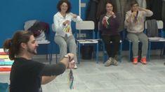 Pizzicato de Sylvia - Audición con yogures - PEDAGOVILA - YouTube Group Activities, Wrestling, Children, Vases, Yogurt, Dancing, Lucha Libre, Young Children, Boys