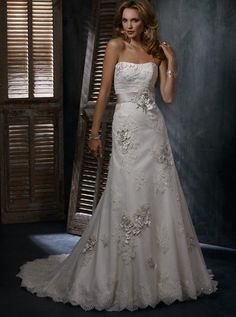 Aline Tulle Gown With Lace Applique [WG1201] - $233.00 : LuxeBlue Quality Discount Wedding Dresses & Formal Gowns, Worlds leading supplier of affordable fashion for Wedding dresses, Bridal gowns and discount formal wear. Safe & Fast delivery world wide.