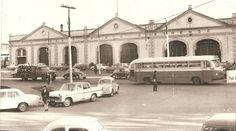 Porto Alegre - Sede antiga da Carris na Avenida João Pessoa e Ônibus Monobloco na década de 1960