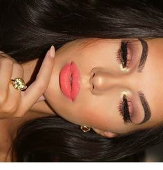 52 Gorgeous Spring Makeup to Try Now – Make up – - Wedding Makeup Glam Coral Makeup, Coral Lipstick, Nude Makeup, Makeup Inspo, Lip Makeup, Makeup Inspiration, Makeup Ideas, Coral Eyeshadow, Flawless Makeup
