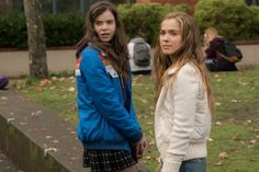 New trailer for The Edge of Seventeen with Hailee Steinfeld and Blake Jenner.