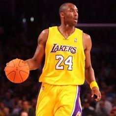 Kobe setting up offense!