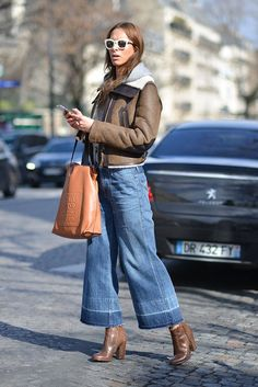 Jeans mit Schlag von Citizens of Humanity, gesichtet auf der Paris Fashion Week
