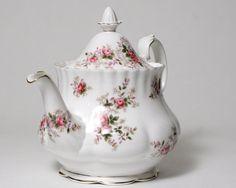 Royal Albert Teapot - Lavender Rose - 6 Cup