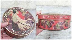 Vintage 1930/30s French round tin box / Pruneaux d Agen