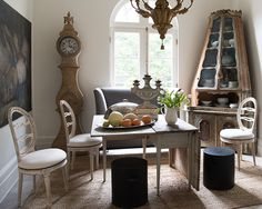 Inside Tara Shaw's Breathtaking New Orleans Home: century Venetian corner cabinet, century Belgian still life, Swedish drop-leaf table, dining room chairs and a grey banquette from Tara Shaw Maison European Style Homes, French Style Homes, New Orleans Homes, Drop Leaf Table, French Decor, French Interior, Dining Room Chairs, Dining Rooms, Interiores Design