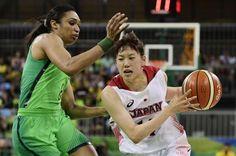 Brasil perde para o Japão e fica em situação difícil no basquete feminino JAVIER SORIANO/AFP
