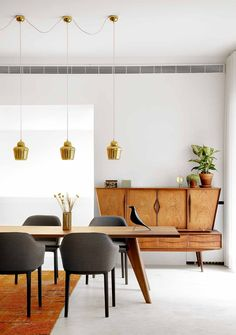 Modernist Dining Area | via AD Spain