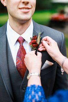 This groom's bout & tie combo // Jeff Brummett Visuals