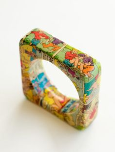 fantastic and unique vintage 1960's/70's chunky square bold Archie comic bangle