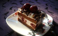 Retete Culinare - Prajitura cu iaurt si visine