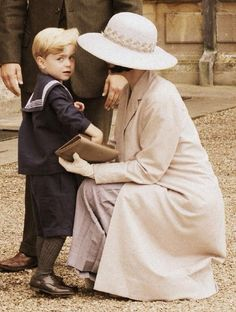 mary and the heir to Downton - little George season V