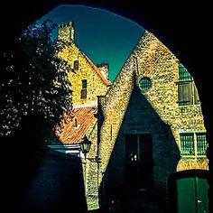 #photooftheday #city #cityscape #littletown #town #architecture #zutphen #netherlands #old #oldbuilding #oldtown #light #shadow #travel
