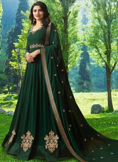 Bottle Green Prachi Desai Anarkali Dress Online ✔Georgette top and Santoon inner, Santoon Bottom comes along with Chiffon Dupatta. Original Company Product with the HIGH-QUALITY fabric/ Indian Bridal Lehenga, Indian Gowns, Pakistani Dresses, Indian Outfits, Robe Anarkali, Costumes Anarkali, Anarkali Suits, Punjabi Suits, Stylish Womens Suits