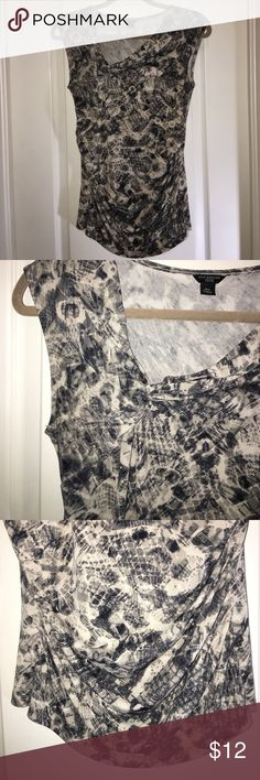 ANN TAYLOR Blouse Stretchy Top from Ann Taylor has gathered detail on right bust and gathers up the sides. Labeled a Petite Medium - this top appears more like a Medium/Large (non-Petite) with ample give for those with a generous bust 😉 Ann Taylor Tops