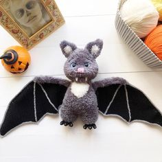 Easy crochet pattern amigurumi toys by MyToyCrochet on Etsy Crochet Bat, Crochet Teddy Bear Pattern, Crochet Patterns Amigurumi, Crochet Hooks, Amigurumi Toys, Crochet Mouse, Tutorial Amigurumi, Halloween Crochet, Handmade Toys