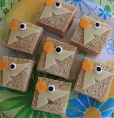 Mini Phineas sandwiches -- lots of cute character-themed bento ideas on this blog