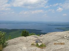 Mount Major Trail is a 3.4 mile loop trail located near Alton Bay, New Hampshire and is good for all skill levels. The trail is primarily used for hiking and is accessible from March until November. Dogs are also able to use this trail but must be kept on leash.