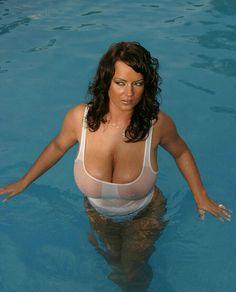 Bea Flora - swimming pool