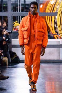 menswear that look cool. that look cool. Urban Fashion, Men's Fashion, Fashion Show, Autumn Fashion, Fashion Design, Fashion Brands, Fashion Outfits, Street Fashion, Fashion Boots