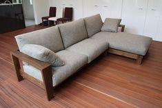 Living Room Sofa Design, Home Living Room, Living Room Furniture, Living Room Designs, Diy Pallet Furniture, Cool Furniture, Furniture Design, Built In Couch, Minimalist Sofa