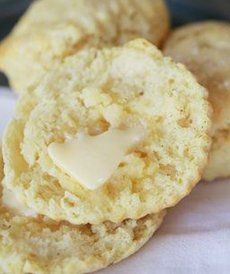 Mouth-Watering Buttermilk Biscuits: Quick and easy biscuits for everyone to enjoy