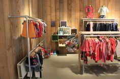Kinderkleding afdeling kringloopwinkel Het GOED Rotterdam