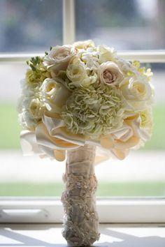 Minnesota Wedding Flower Ideas, MN Wedding Flower Photos, MN Wedding Bouquet Pictures   Bellagala 651-227-1202