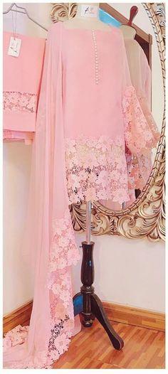 Pakistani Fancy Dresses, Pakistani Fashion Casual, Pakistani Dress Design, Pakistani Bridal, Pakistani Outfits, Indian Outfits, Designer Party Wear Dresses, Kurti Designs Party Wear, Indian Designer Outfits