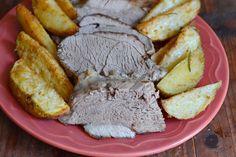 Cartofi noi la ceaun cu marar si usturoi - CAIETUL CU RETETE Pot Roast, Steak, Ethnic Recipes, Food, Honey, Green, Salads, Carne Asada, Roast Beef