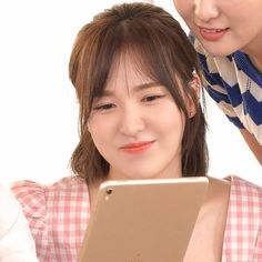 Wendy Son, Wendy Red Velvet, Red Queen, Girl Gang, Seulgi, These Girls, Girl Crushes, Music Artists, Make Me Smile