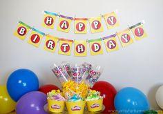 Play-Doh Birthday Party Ideas with Free Printable Banner at artsyfartsymama.com #WorldPlayDohDay
