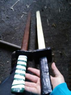 black jade crafts: wooden training swords anime samurai japenese kendo weeaboo otaku fighting sword practice  bokken Daito Training Katana Martial Arts Practice Swords : Sports & Outdoors Kendo, Katana, Wooden Diy, Diy And Crafts, Diy Ideas, Craft Ideas, Woodworking, Fencing, Cool Stuff