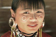 Kayaw woman, Karen Hill Tribes. Thailand | © Steve Evans, via Flickr