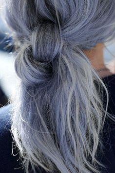 Les cheveux gris, une tendance capillaire qui gagne en popularité