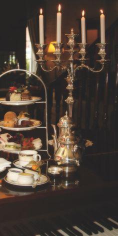 Enjoy an Afternoon Tea at Hayfield Manor, Cork, Ireland - Alice Spiekermann - Yeni Dizi Vegan Teas, Grey Tea, Alice, English Manor, Romantic Dinners, High Tea, Fine Dining, Afternoon Tea, Tea Set
