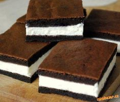 Kinder mliečny rez – rýchly a výborný koláčik bez múky! Sweet Desserts, Sweet Recipes, Delicious Desserts, Dessert Recipes, Yummy Food, Sweet Cooking, Czech Recipes, Sweet And Salty, Something Sweet