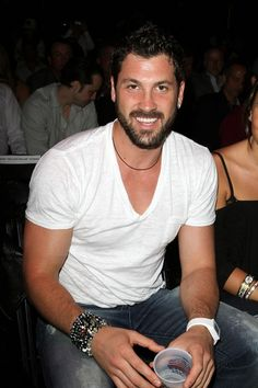 val chmerkovskiy how tall