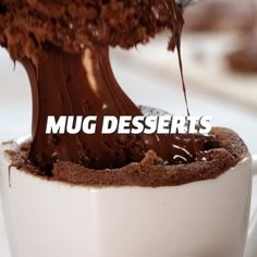 The BEST Chocolate Mug Cake, a single serving healthy and easy microwave cake in under a minute Mug Recipes, Sweet Recipes, Dessert Recipes, Cooking Recipes, Oven Cooking, Cooking Light, Cooking Blogs, Cooking Courses, Cooking Ingredients
